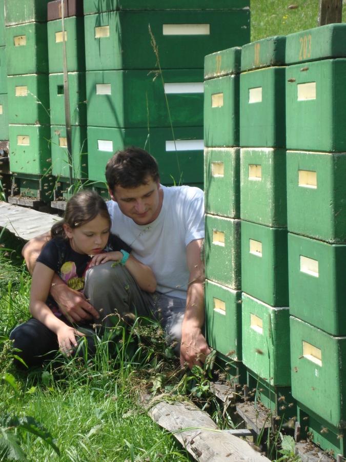 mit Tochter Melissa bei der Fluglochbeobachtung