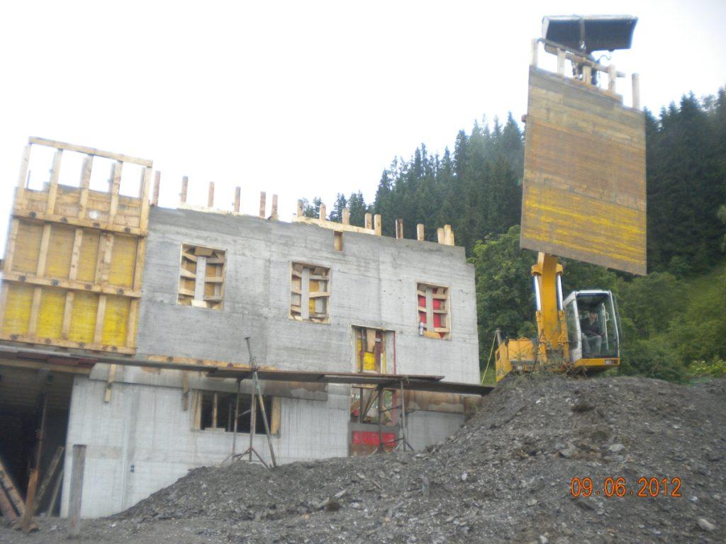 während des Baues unseres Betriebsgebäudes 2012